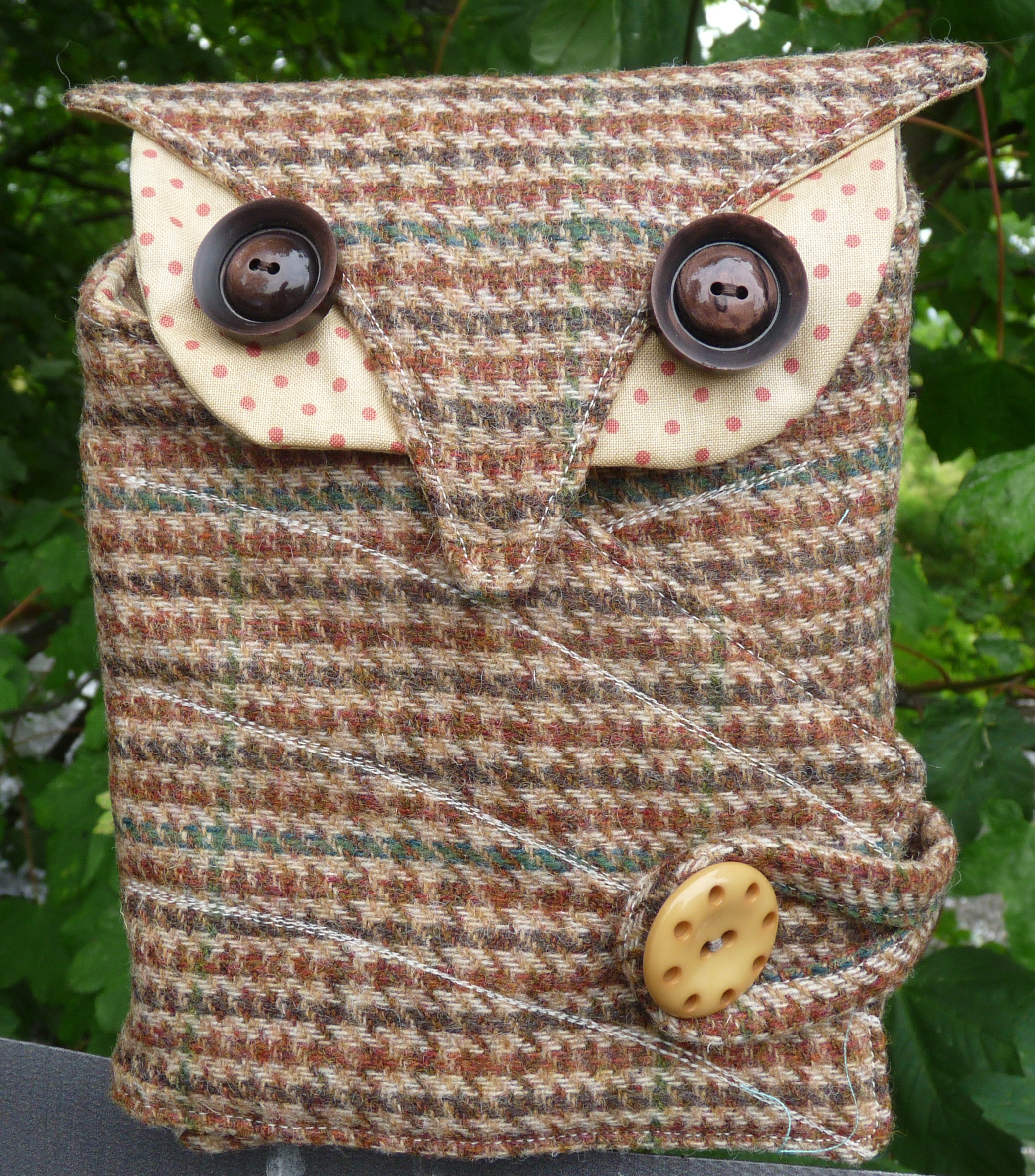 It's a Hoot sewing case Kit